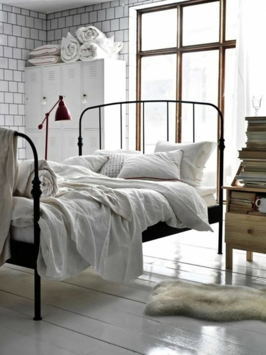 chambre th me et si on dormait dans une usine. Black Bedroom Furniture Sets. Home Design Ideas