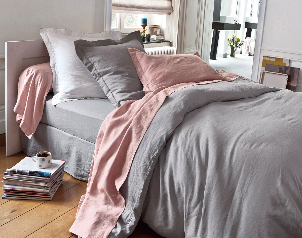 Shop bedding at cripatsur.ga Discover a stylish selection of the latest brand name and designer fashions all at a great value.